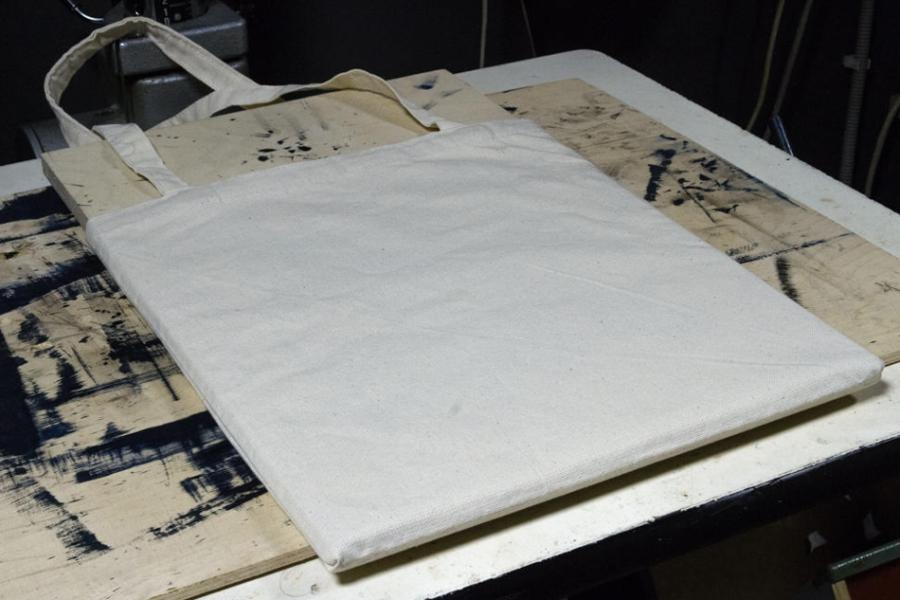 Цианотипия на ткани. Нанесение раствора