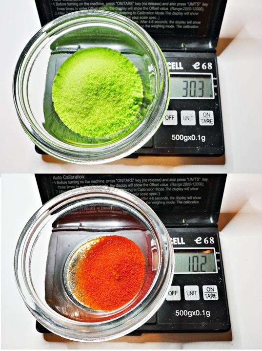 30 г оксалата железа и 10 г красной кровяной соли